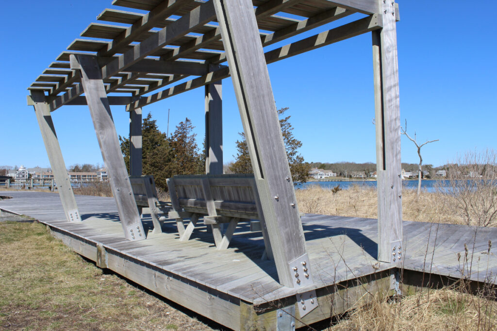 Wooden shelter in Bass River Park